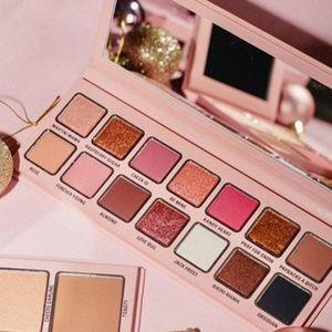 🔥BNIB🔥Kylie Cosmetics Holiday Eyeshadow Palette